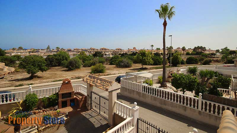 2 bed chalet in cabo roig