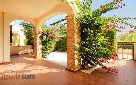 2 Bed Zeniamar with garden