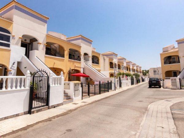 2 Bed Apartment in Orihuela Costa