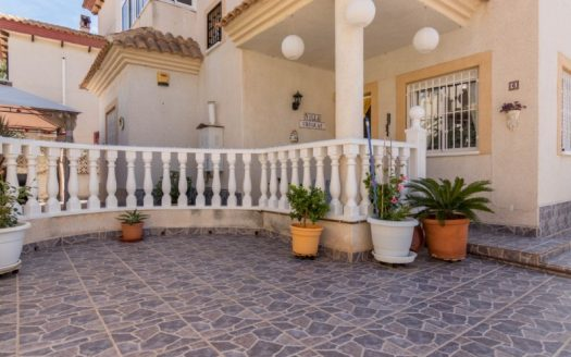 3 Bed Villa in Playa Flamenca