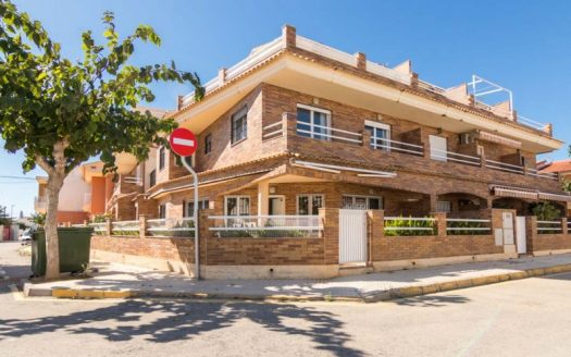 5 Bed Villa in Pilar de la Horadada