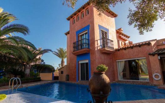 5 Bed Villa in Torrevieja