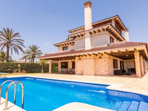 6 Bed Villa in Orihuela Costa