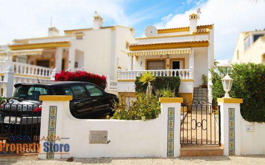 Detached villa in rioja villamartin
